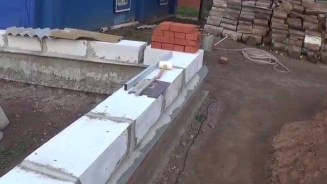 Швы между блоками должны быть тонкими