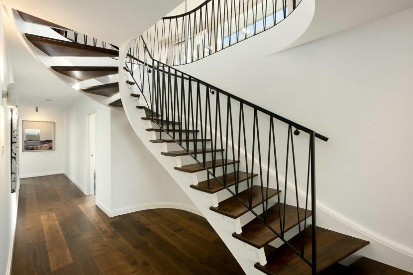 Примеры лестниц из бетона в свой дом