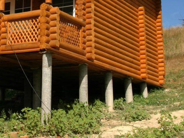 Эта технология применяется при строительстве легких построек и каркасных домов, а ее выполнение требует минимум средств и усилий