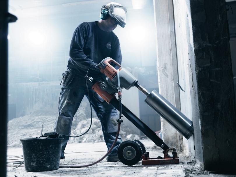 Отверстия в бетоне как и чем бурить