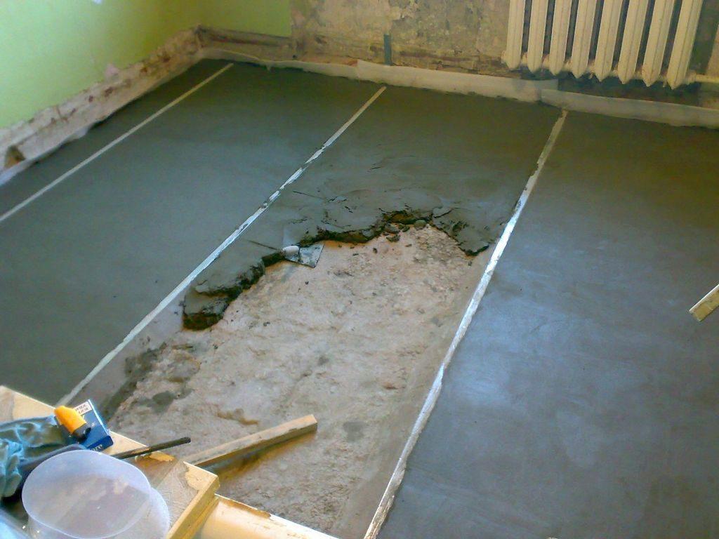 При толщине стяжки более 50 мм, для предотвращения появления расколов и увеличения прочности, рекомендуется проведение армирования